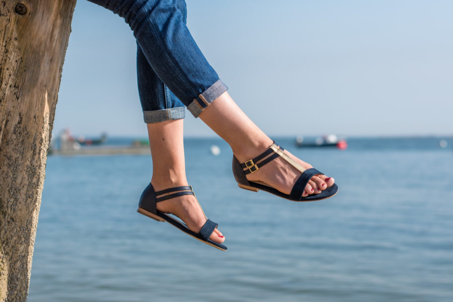 Vegane Sandale Intrepide in blau von Minuit Sur Terre