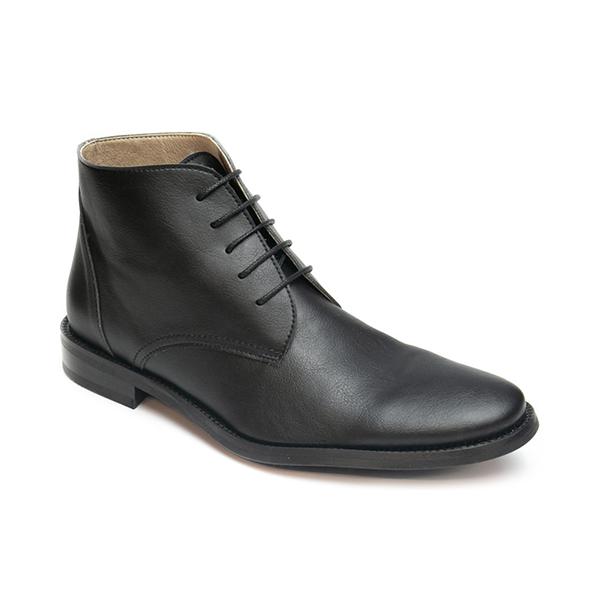 Vegane Stiefel Dover in schwarz von NAE